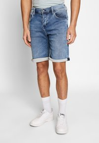 Mustang - CHICAGO  - Denim shorts - blue - 0
