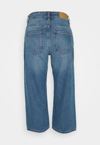 Noisy May Petite - NMAMANDA WIDE ANKLE  - Jeans baggy - medium blue - 1