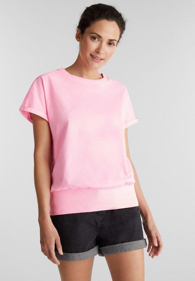GARMENT DYE  - Basic T-shirt - pink
