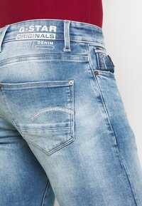 G-Star - REVEND N SKINNY - Slim fit jeans - blue denim - 5