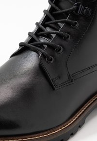 Base London - CALLAHAN - Lace-up ankle boots - black - 5
