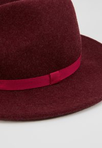 Paul Smith - WOMEN HAT FEDORA - Hatte - bordeaux - 3