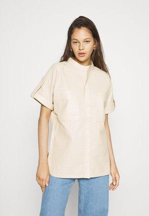 OBJLAUR - Button-down blouse - sandshell
