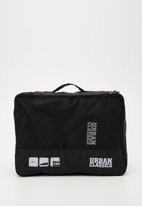 Urban Classics - TRAVELLER LAUNDRY SET - Wash bag - black - 1