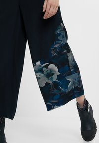 Desigual - GABRIELA - Pantalon classique - blue - 1