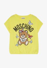MOSCHINO - Printtipaita - blazing yellow - 2