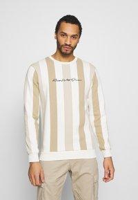 Kings Will Dream - VEDLO CREW - Sweatshirt - dark sand/white - 0