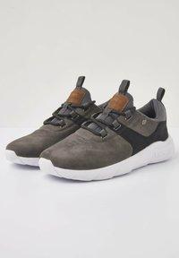 British Knights - SNEAKER EAGLE - Sneakers - dk grey/black - 2