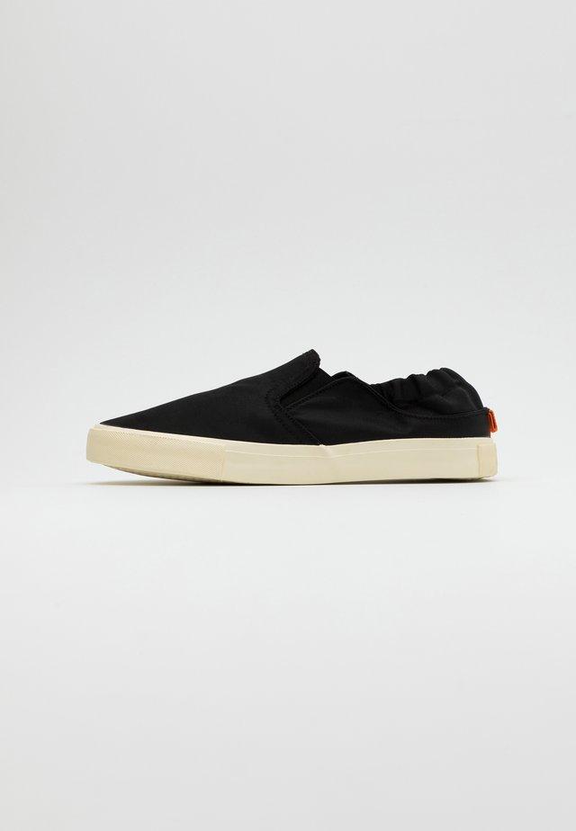 ALEXANDER - Slip-ons - black/offwhite