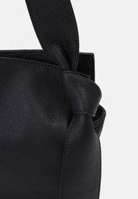 Rejina Pyo - ANGELA TOTE - Handbag - black - 4