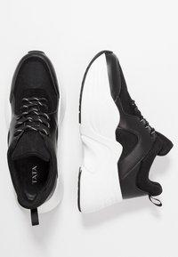 Tata Italia - Joggesko - black/white - 3