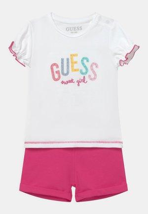 SET - Print T-shirt - true white/pink