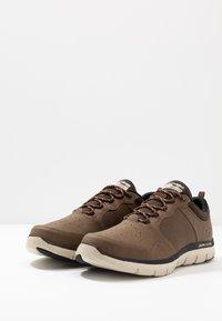 Skechers Sport - FLEX ADVANTAGE 2.0 DALI - Sneaker low - chocolate - 2