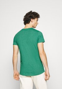 Tommy Jeans - ESSENTIAL JASPE TEE - T-shirt basic - midwest green - 2