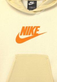 Nike Sportswear - HOODIE - Sweatshirt - coconut milk/lemon drop/bright mango - 2