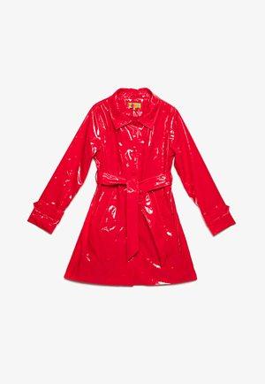 Short coat - rojo
