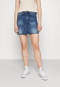 Tommy Jeans - SHORT SKIRT - Mini skirt - blue denim - 0