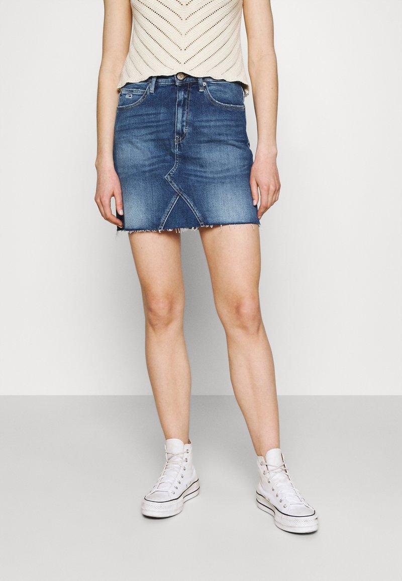 Tommy Jeans - SHORT SKIRT - Mini skirt - blue denim