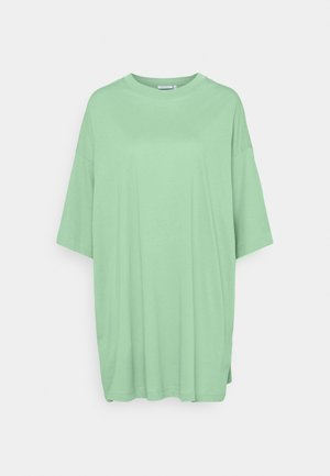 HUGE - Camiseta básica - sage green