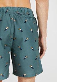Shiwi - TUCAN - Swimming shorts - cilantro - 3