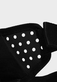 adidas Performance - RUN BOTTOMS BASICS BOTTLE BAG RUNNING - Riñonera - black - 6