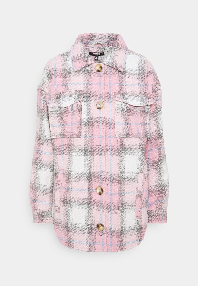 OVERSIZED CHECK SHACKET - Short coat - pink