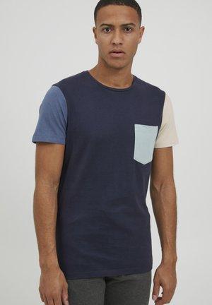 LAMBERTO - T-shirt imprimé - dress blues
