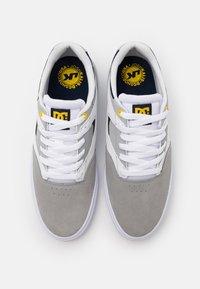DC Shoes - KALIS VULC - Skate shoes - white/grey - 3