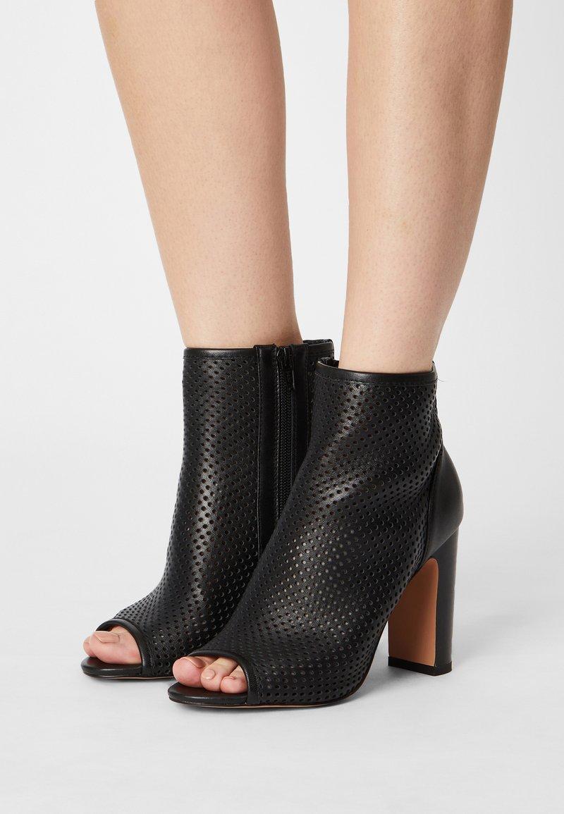 Anna Field - LEATHER - Kotníková obuv na vysokém podpatku - black