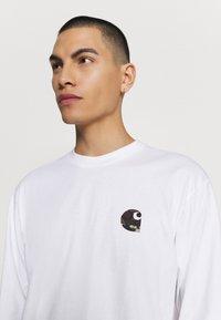Carhartt WIP - Long sleeved top - white - 3