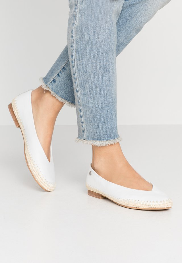 ANDRA - Loafers - white