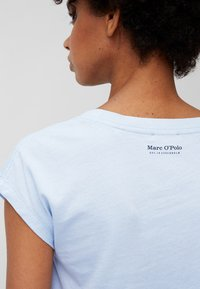 Marc O'Polo - Basic T-shirt - sunny sky - 3