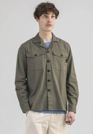 SATURN - Shirt - olive green