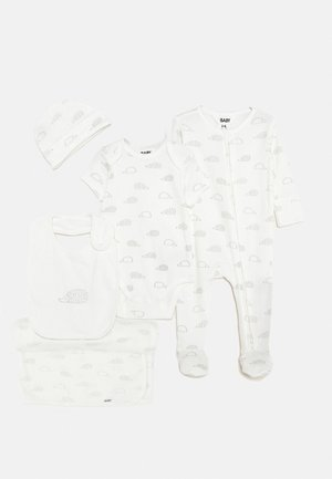 NEWBORN BUNDLE SET - Bonnet - milk