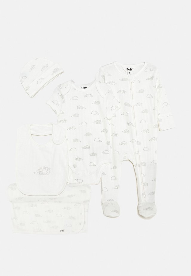 NEWBORN BUNDLE SET - Mössa - milk