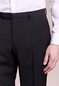 HUGO - SIMMONS - Oblekové kalhoty - black - 3