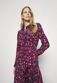 Guess - SELVAGGIA DRESS - Košilové šaty - multi-coloured - 3