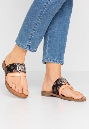 GENERA - Sandály s odděleným palcem - bronze/rame/fux