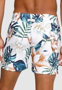 Vacay Swimwear - Swimming shorts - white - 2