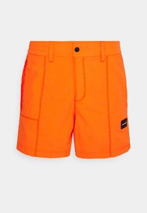 HYBRID - Shorts - shocking orange