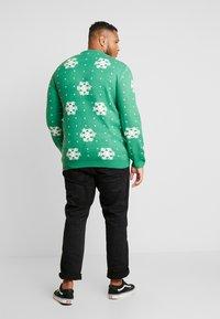 Jack´s Sportswear - CHRISTMAS O-NECK - Jumper - green - 2