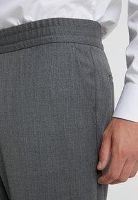 Filippa K - TERRY CROPPED PANTS - Trousers - grey melange - 3