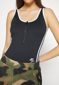 adidas Originals - ADICOLOR - Top - black - 7