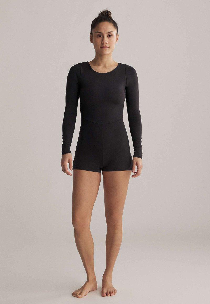 OYSHO - SHORT COMFORT  - Gym suit - black