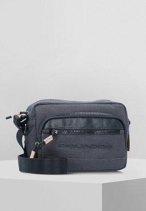 BLADE - Across body bag - black