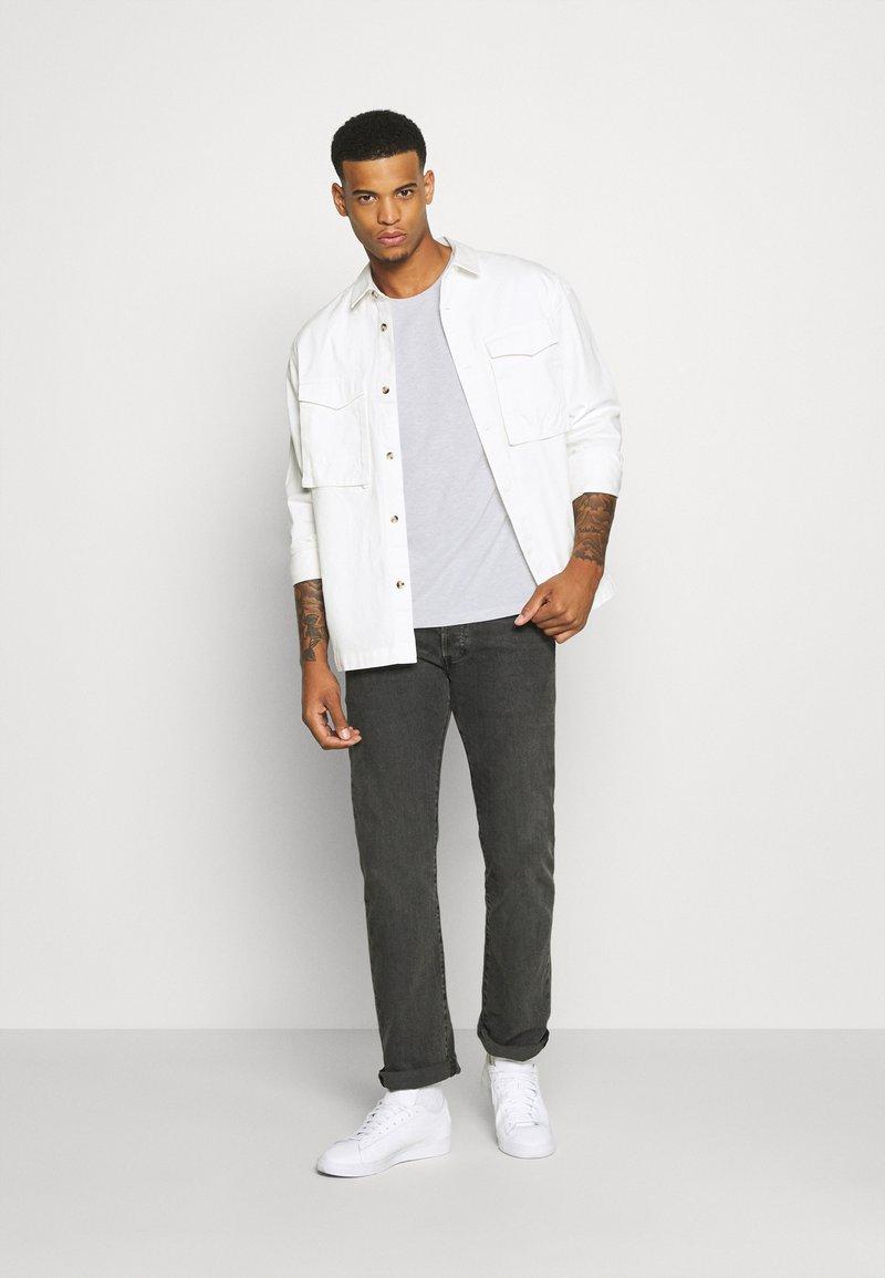 Burton Menswear London - SHORT SLEEVE CREW 5 PACK - T-shirt basic - burgundy/olive