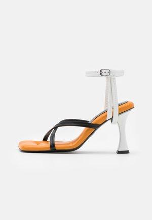 Sandály na vysokém podpatku - nero/osso