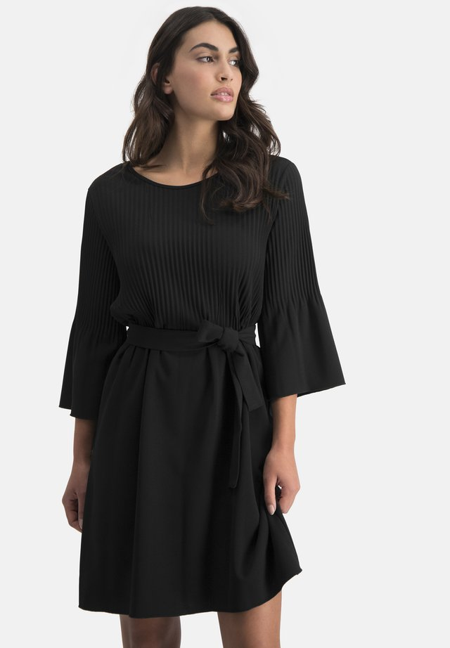 ADINO - Day dress - schwarz