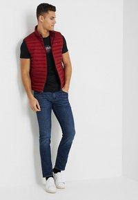 Tommy Hilfiger - LOGO TEE - T-shirt con stampa - black - 1