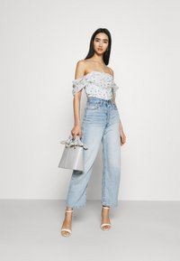Missguided - RUCHED BARDOT CROP - Print T-shirt - white - 1